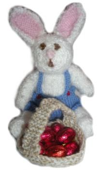 knitted-easter-bunny-with-basket