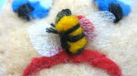 penelopy pyramid bee