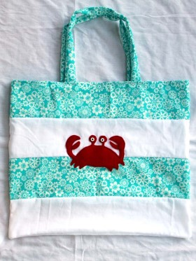diy-beach-bag-with-crab