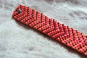 Mother-and-child-jewelry-a-no-beading-diy-chevron-bracelet-step3-2