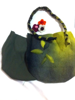 felted-bag-flowers2
