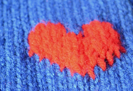 knit heart mario scarf