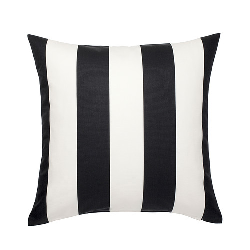 vargyllen-cushion-cover-black__0243321_PE382634_S4